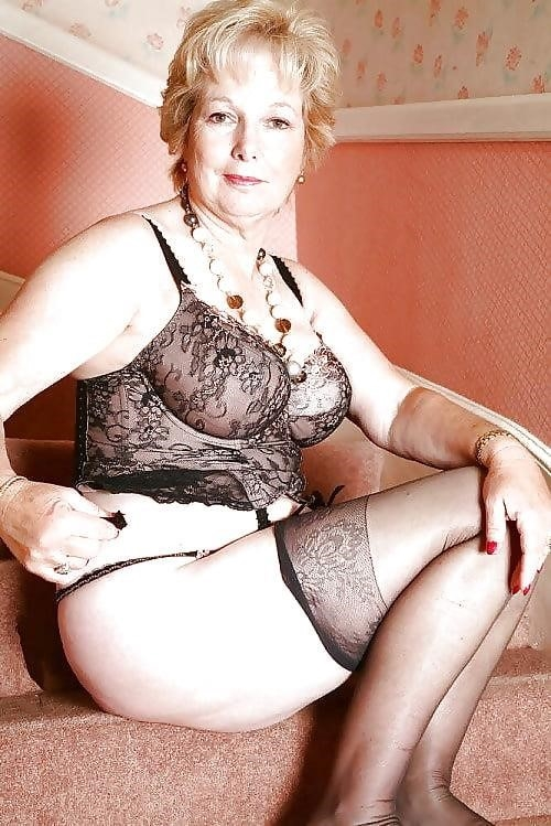 Beautiful naked mature men-8029