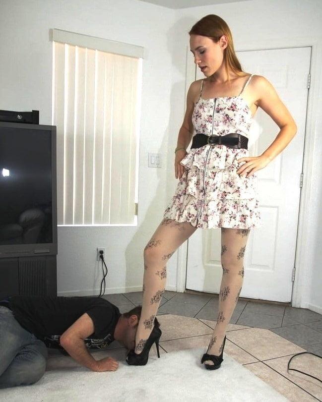 Victoria feet slave-4915