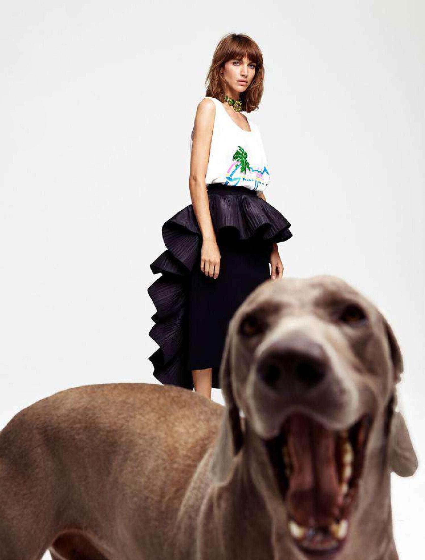 Джоанна Фельдмейер с красивой большой собакой / фото 11