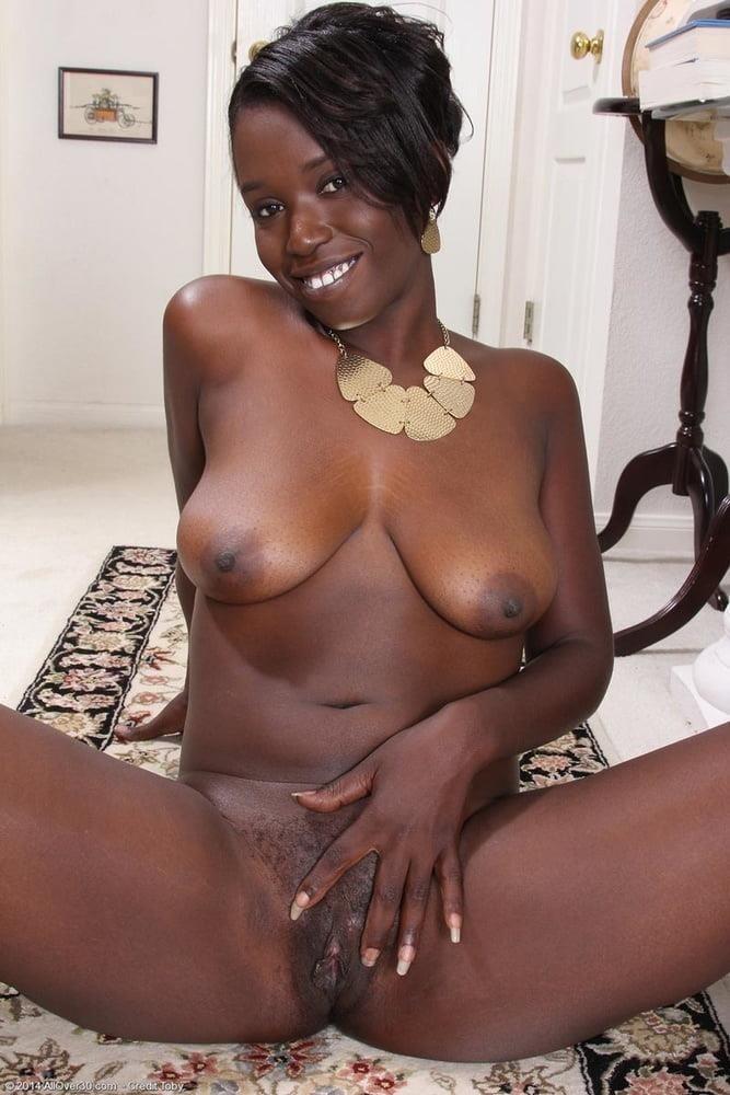 Ebony mature gallery-4475
