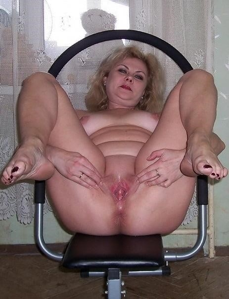 Nude mature at home-9869