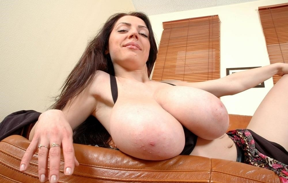 Slim girl huge tits-6348