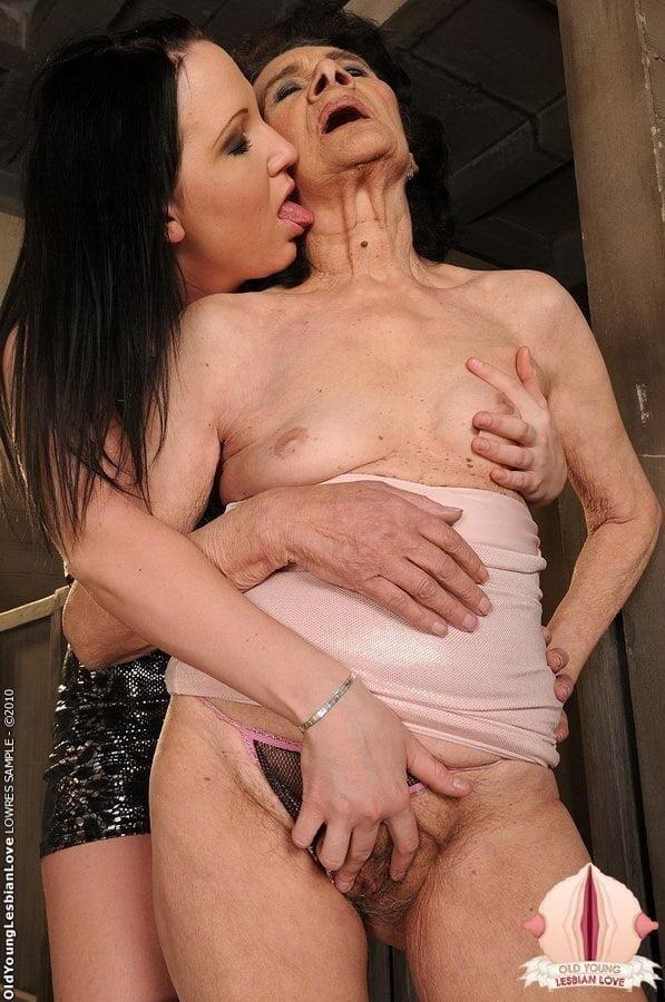 Granny lesbian sex pics-1555