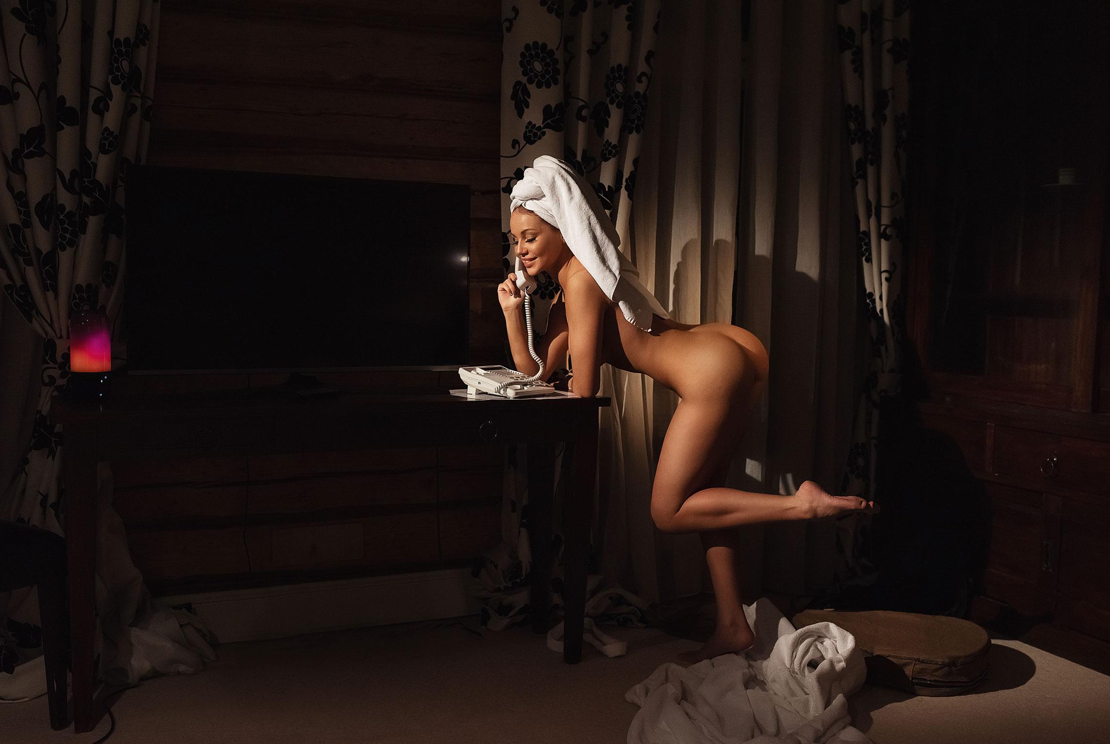 Сексуальная Кира (@angel_milkis) говорит по телефону / фото 03