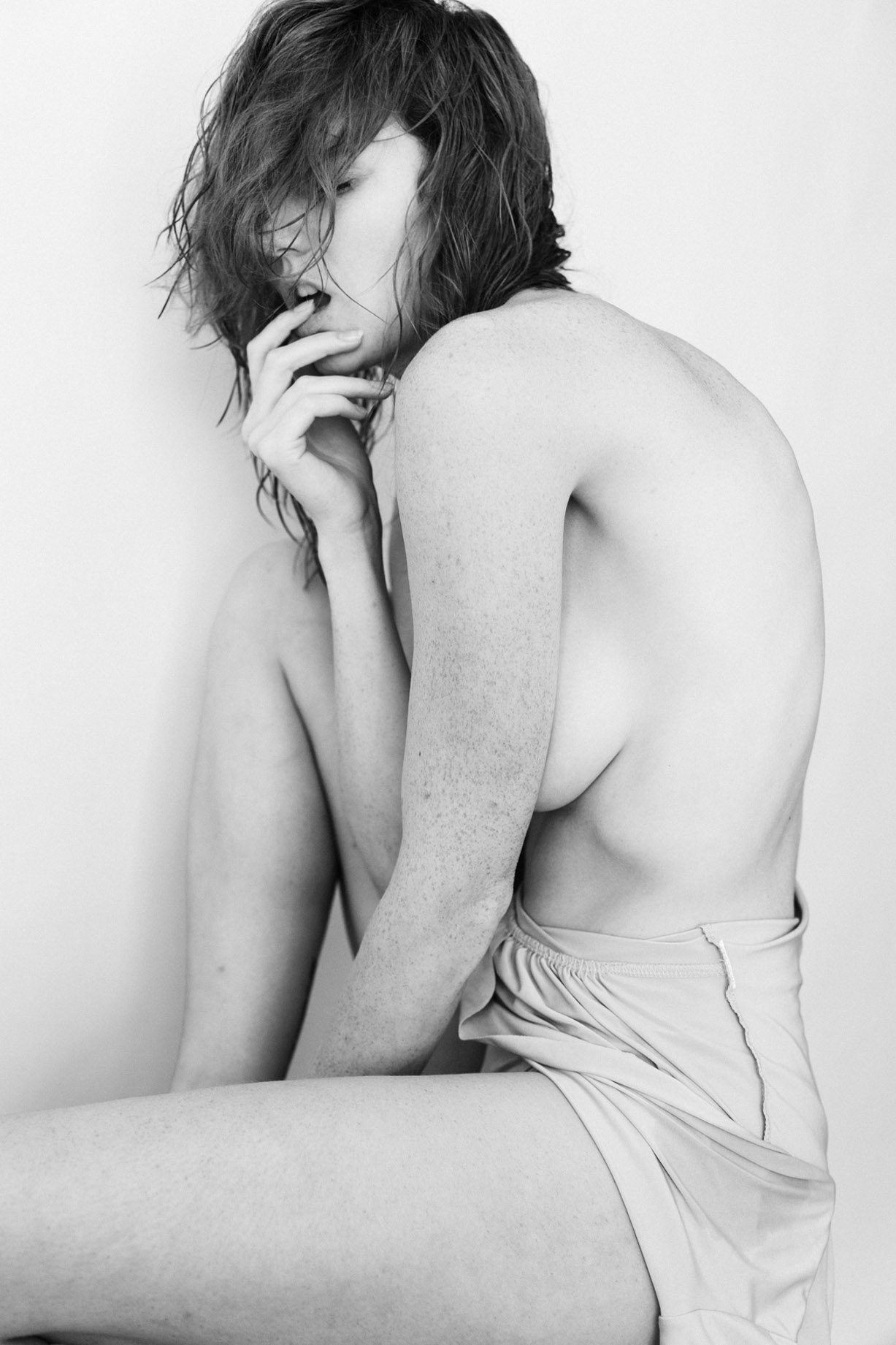 Leslie Sauvage by Maxime Besse / Maux Doux