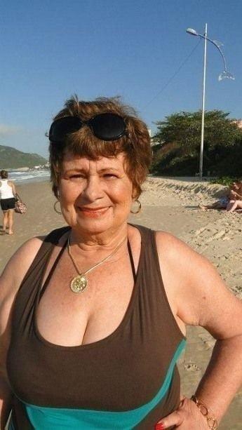 Busty granny porn pics-9738