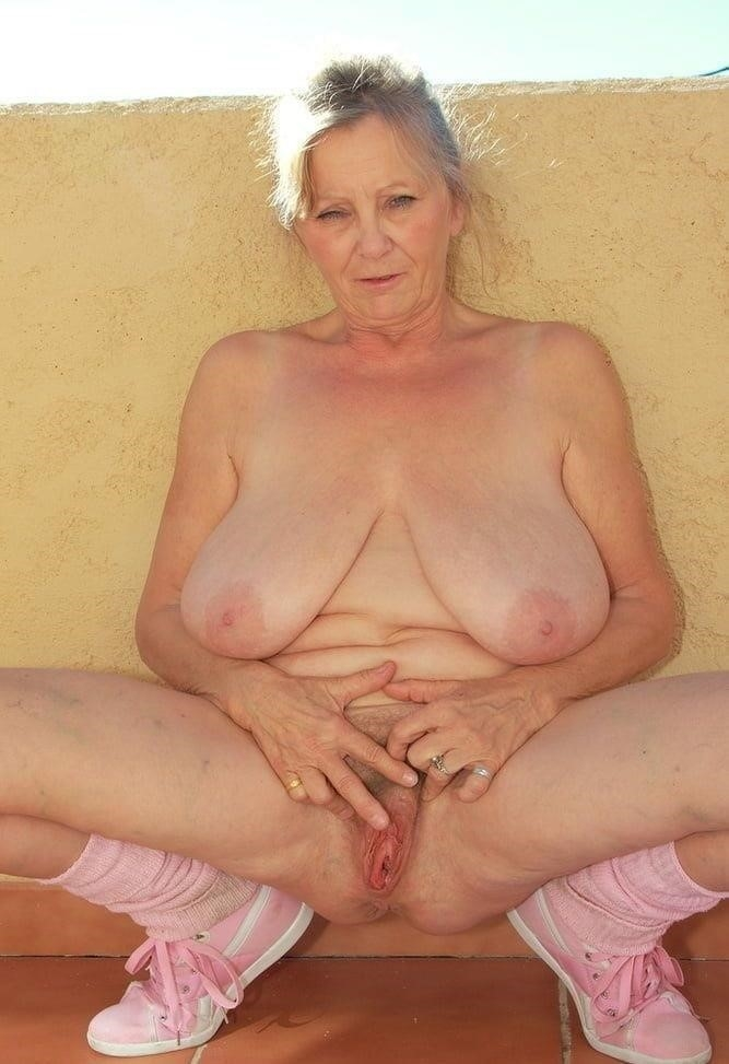 Mature nude thumbs-4573