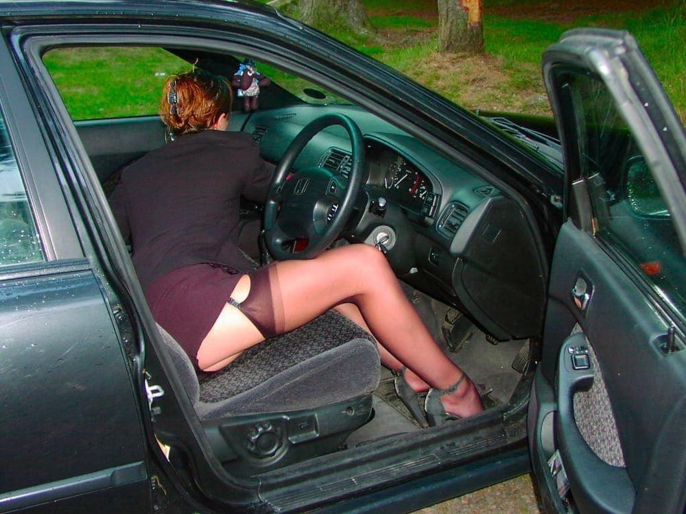 Cunnilingus in car-4785