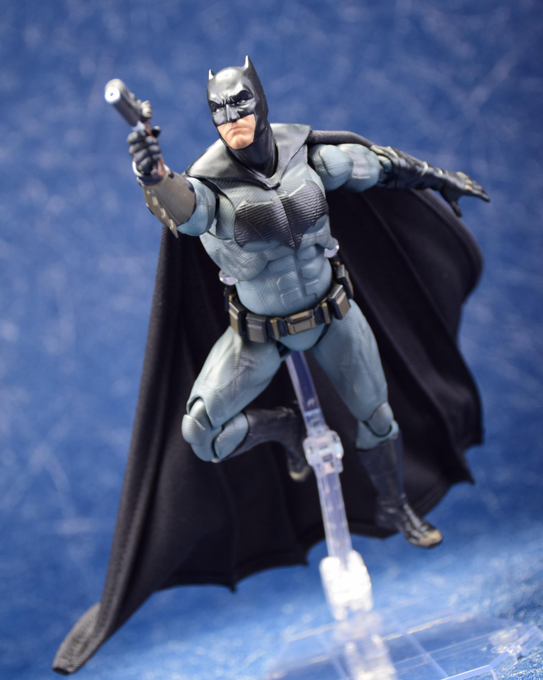 [Comentários] DC Comics S.H. Figuarts WywXd2TD_o