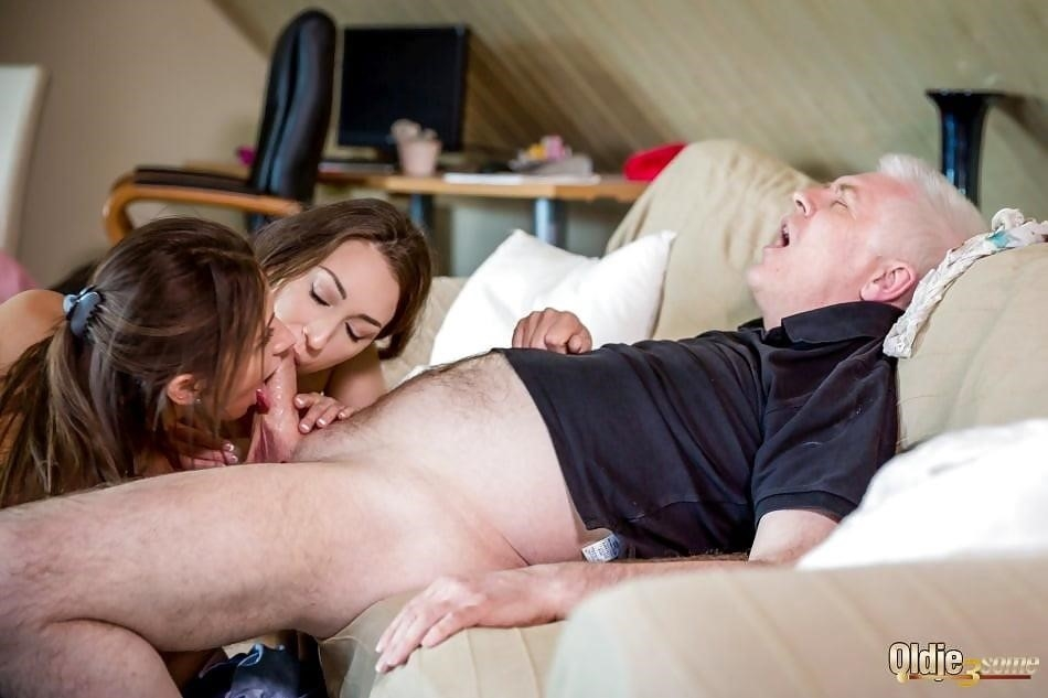 Threesome sex two girls-1803