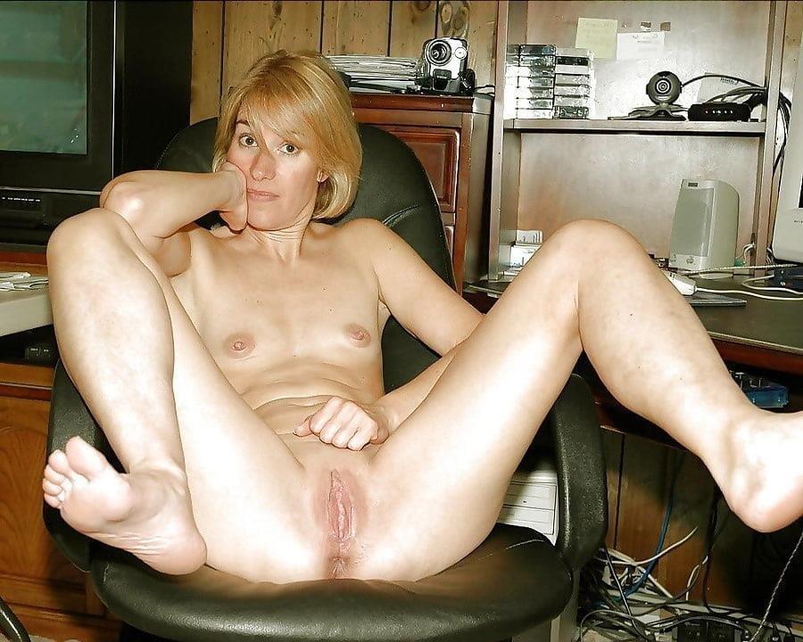 Beautiful naked women making love-3380