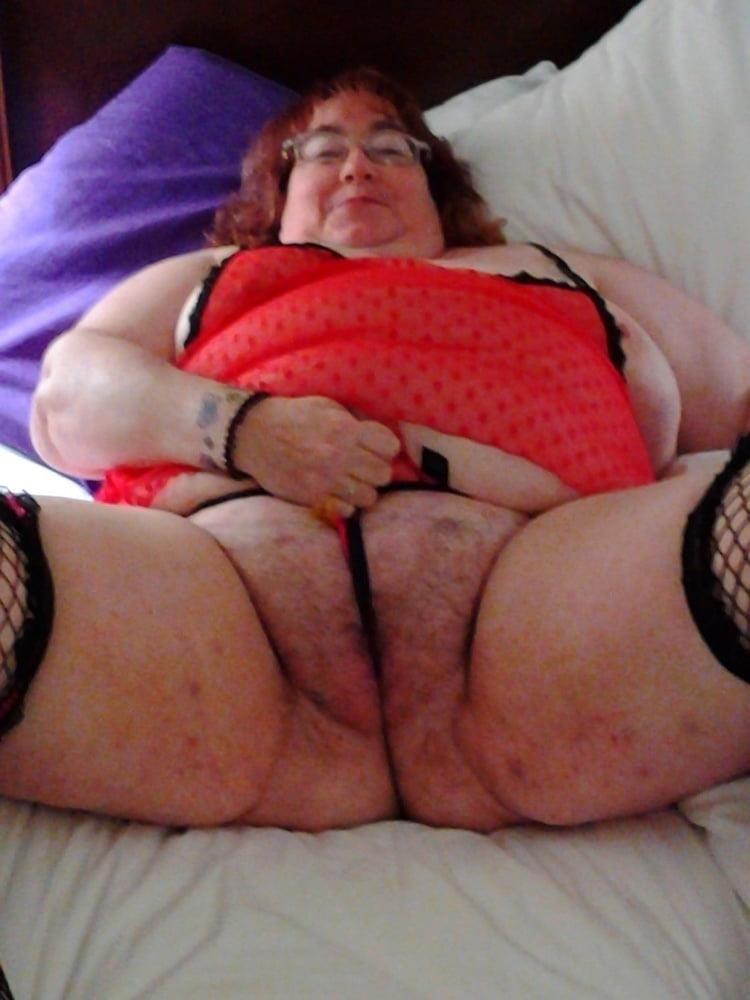 Naked older white women-9551