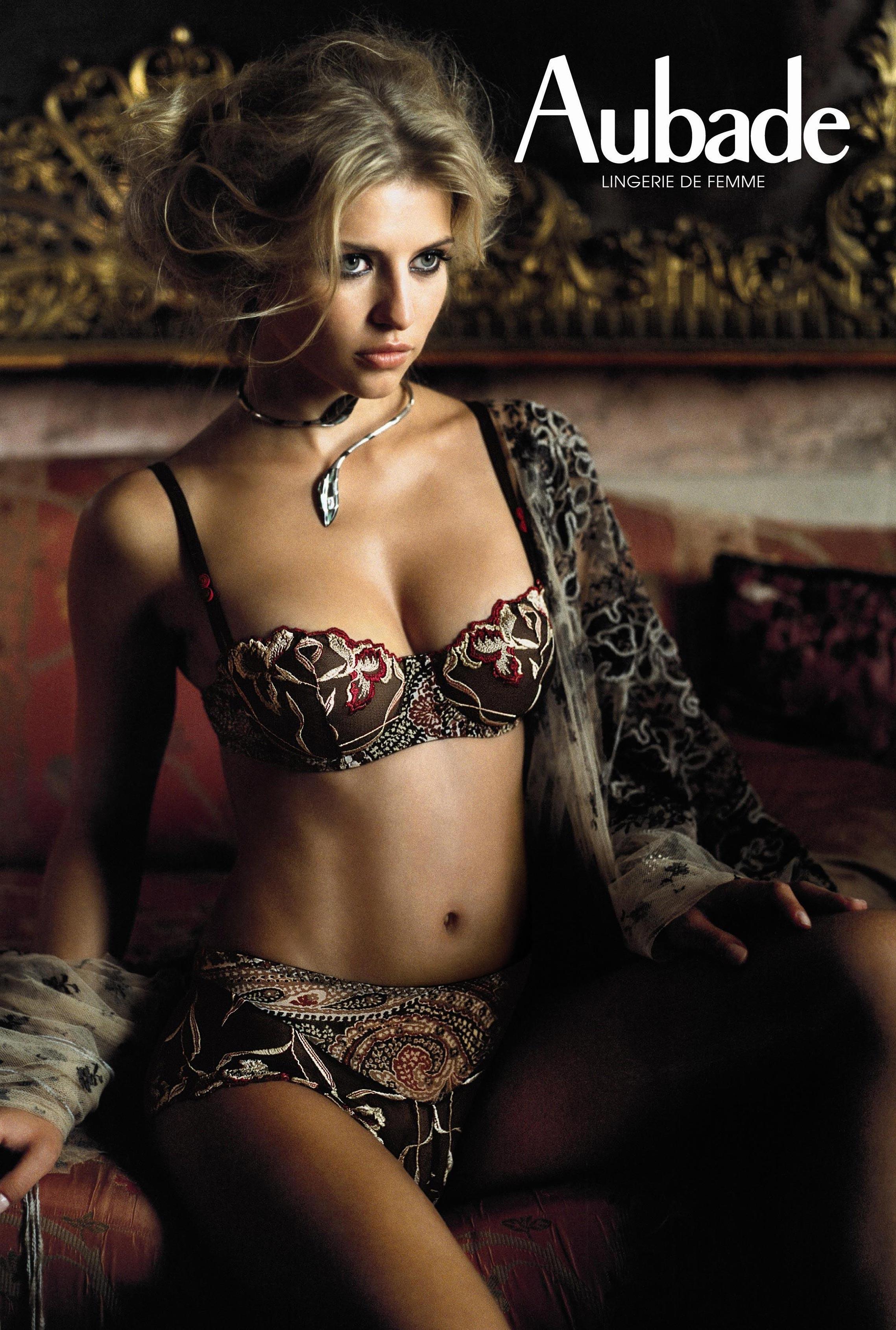 Ivana Vancova / Ивана Ванкова в нижнем белье Aubade lingerie