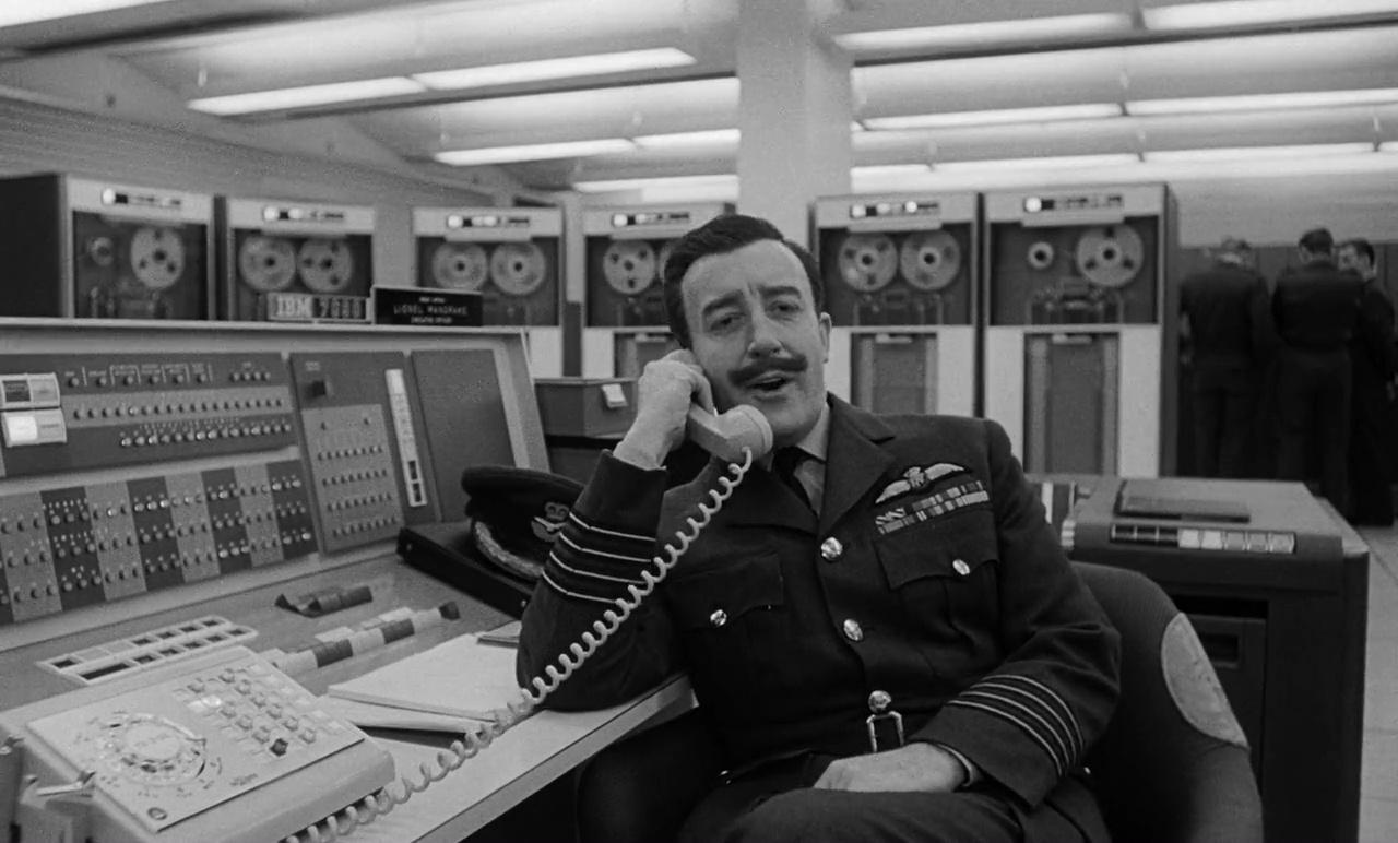 Telefono Rojo Volamos Hacia Moscu 720p Cas-Ing[Comedia](1964)