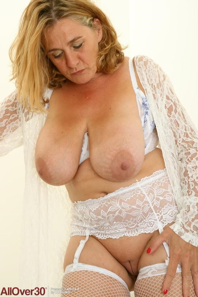 Nude grannies with big tits-7192