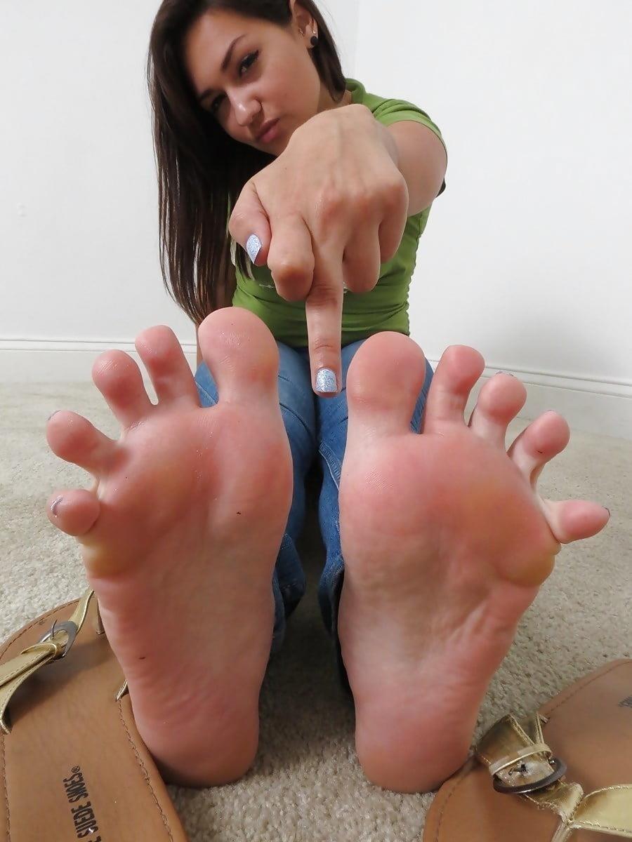 Worship my sweaty feet-9308