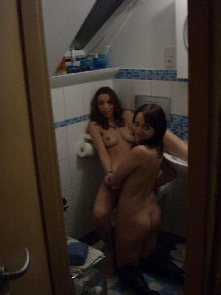 Threesome lesbian orgy-1020