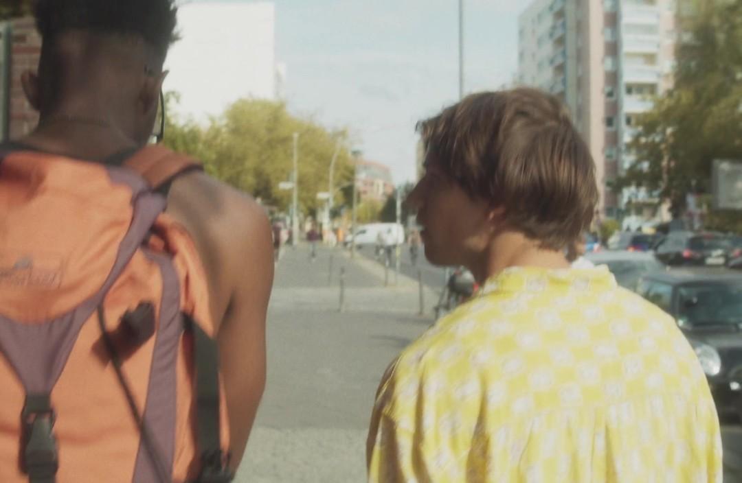 Boy Meets Boy 2021 1080p WEB-DL DD5 1 H 264-EVO