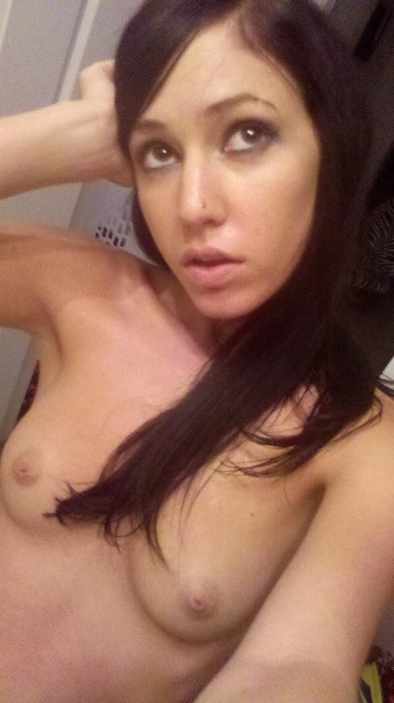 Young naked selfie-8979
