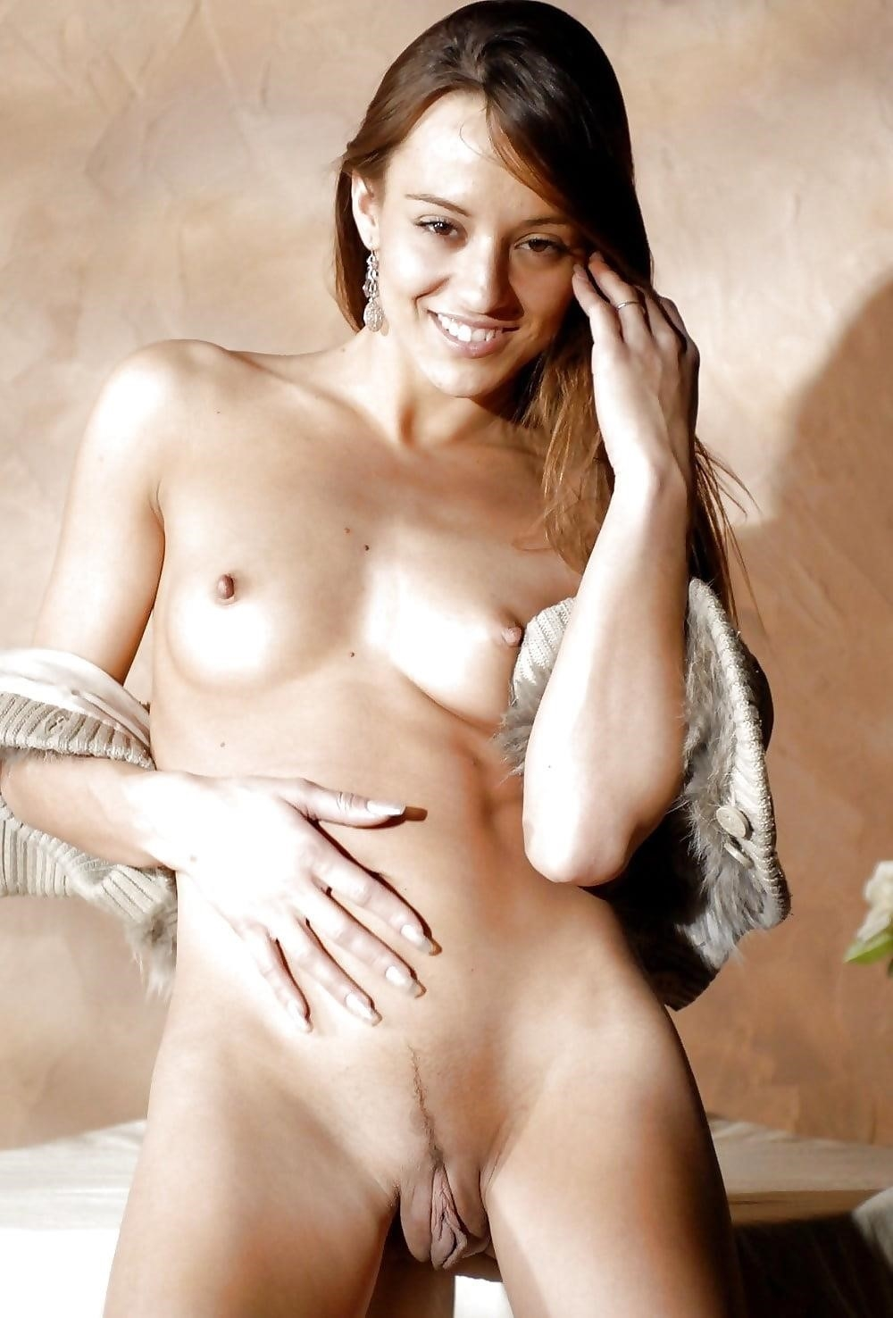 Hot naked young ladies-4376