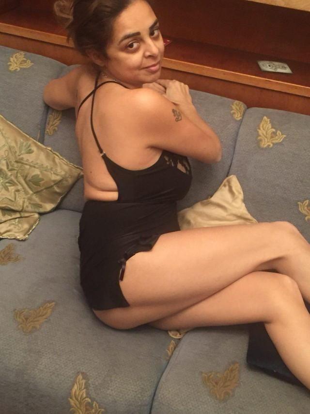 Fit milf nude pics-2176