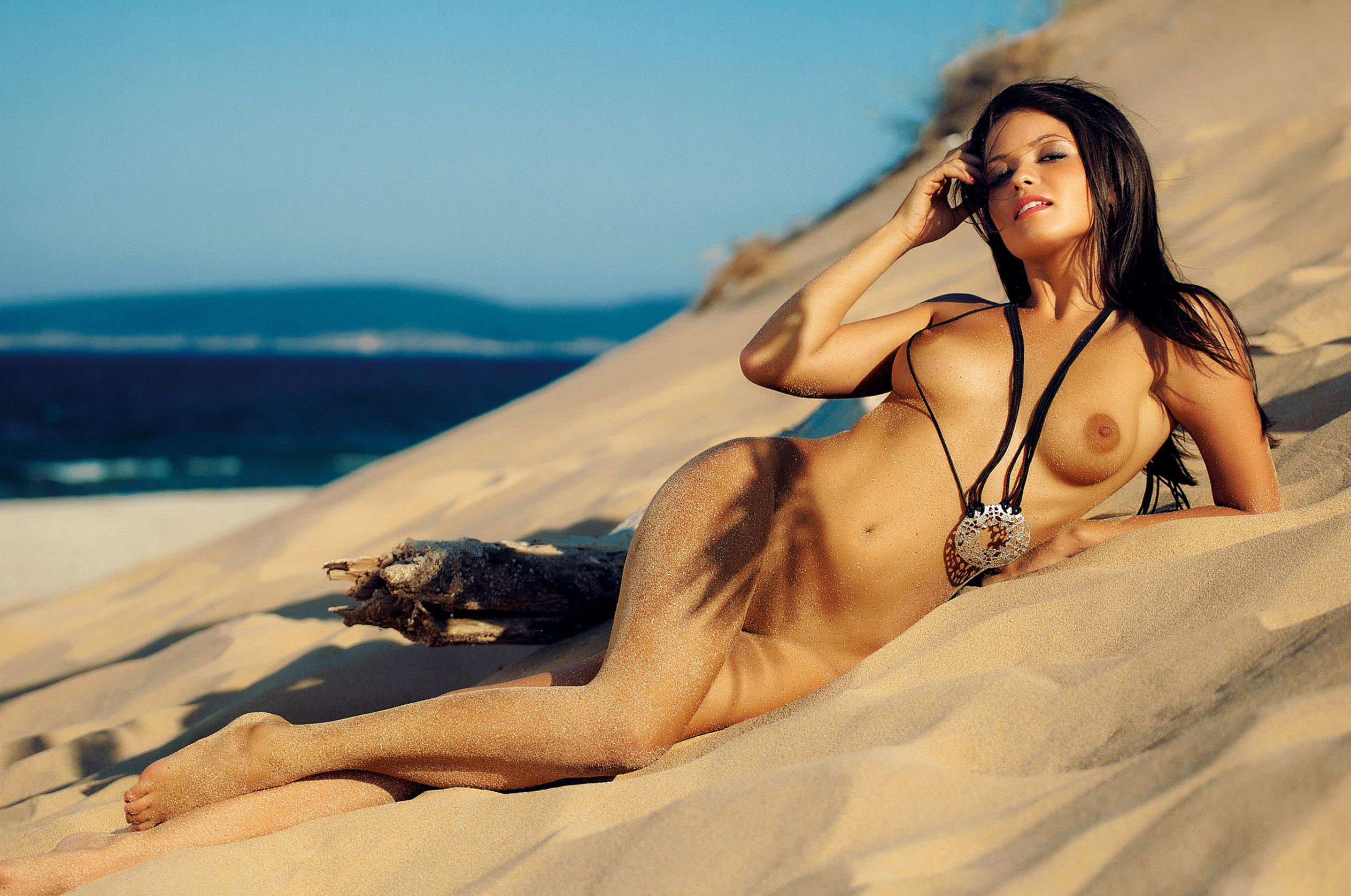 Благовеста Бонбонова - Девушка месяца в Playboy Германия, март 2013 / фото 02