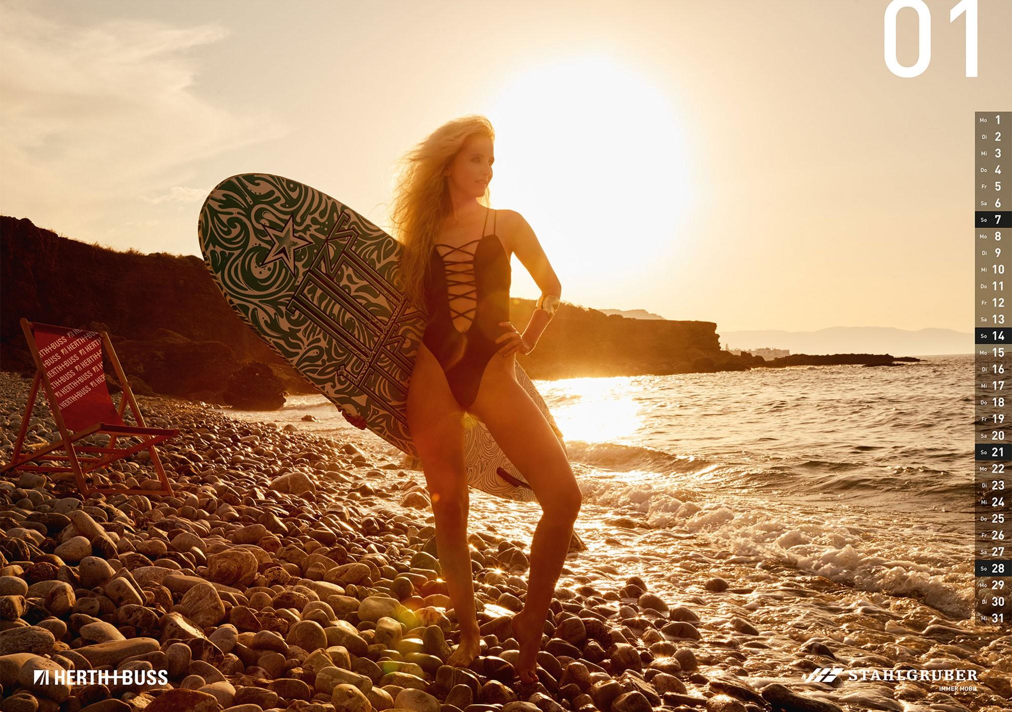 нудистские пляжи острова Крит в эротическом календаре WERKSTATTkultur 2018