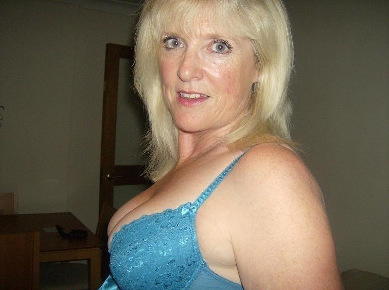 Amatuer mature wife pics-7564
