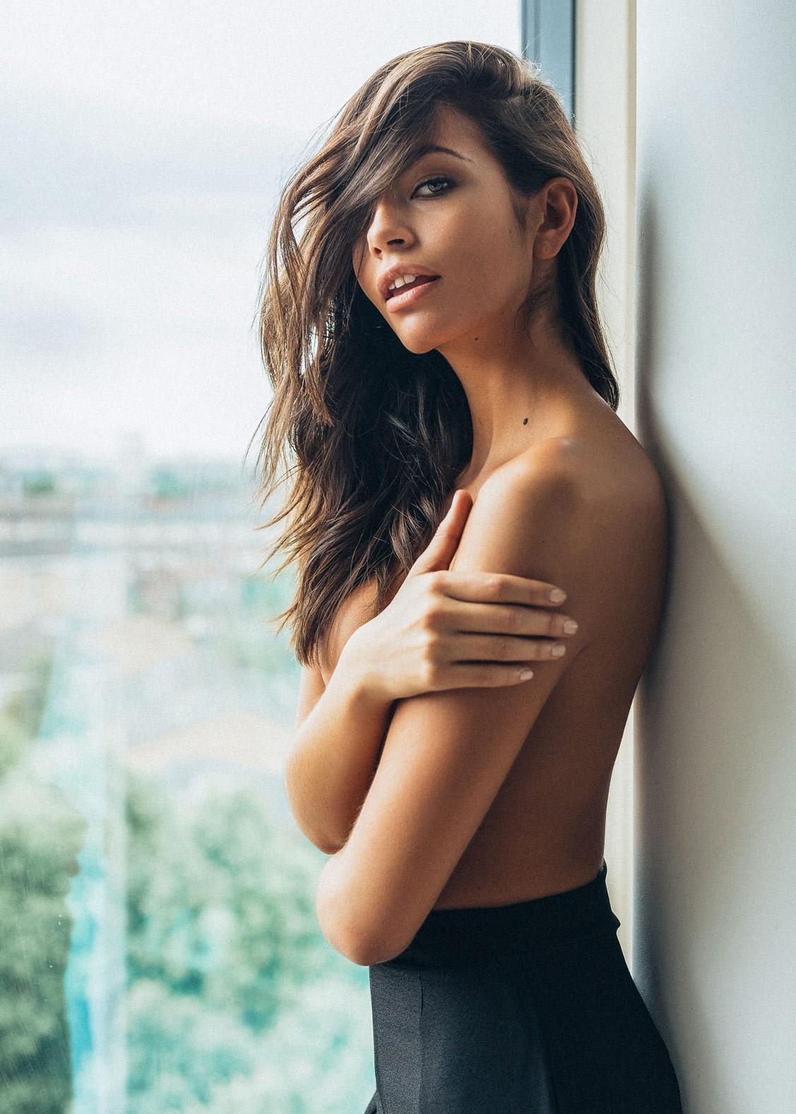 Arielle Panta by Ian Lim - Yume Magazine