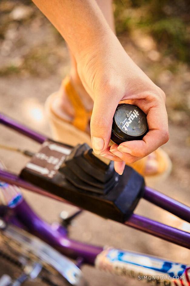 голышом на велосипеде / фото 09