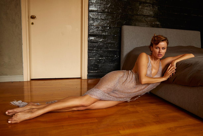 сексуальная Ольга де Мар ждет наступления темноты / фото 05