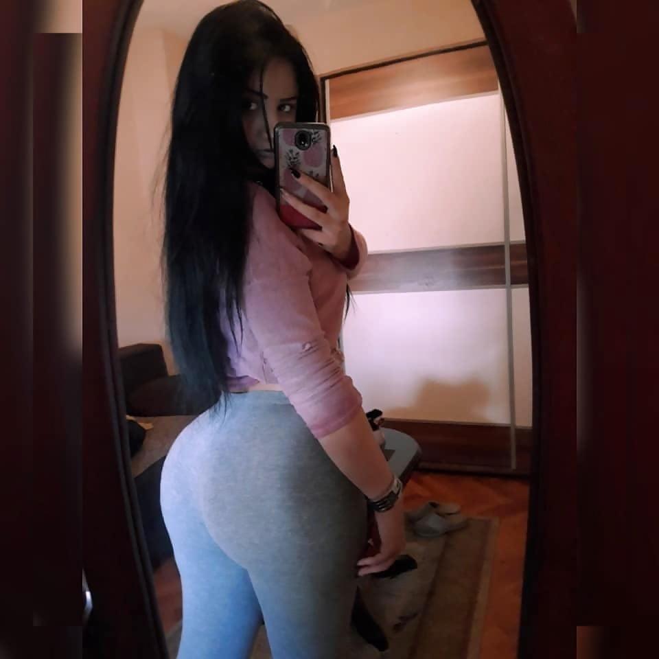 Teen big booty nude-4077