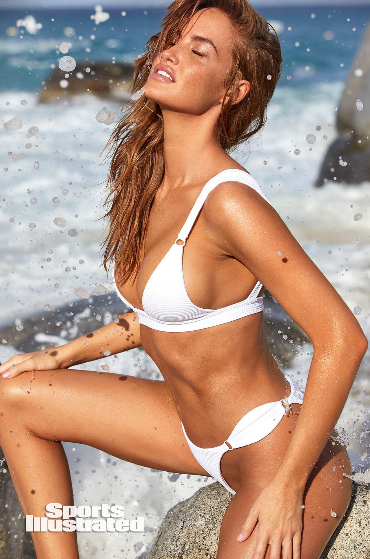 Хейли Калил в каталоге купальников Sports Illustrated Swimsuit 2020 / фото 30