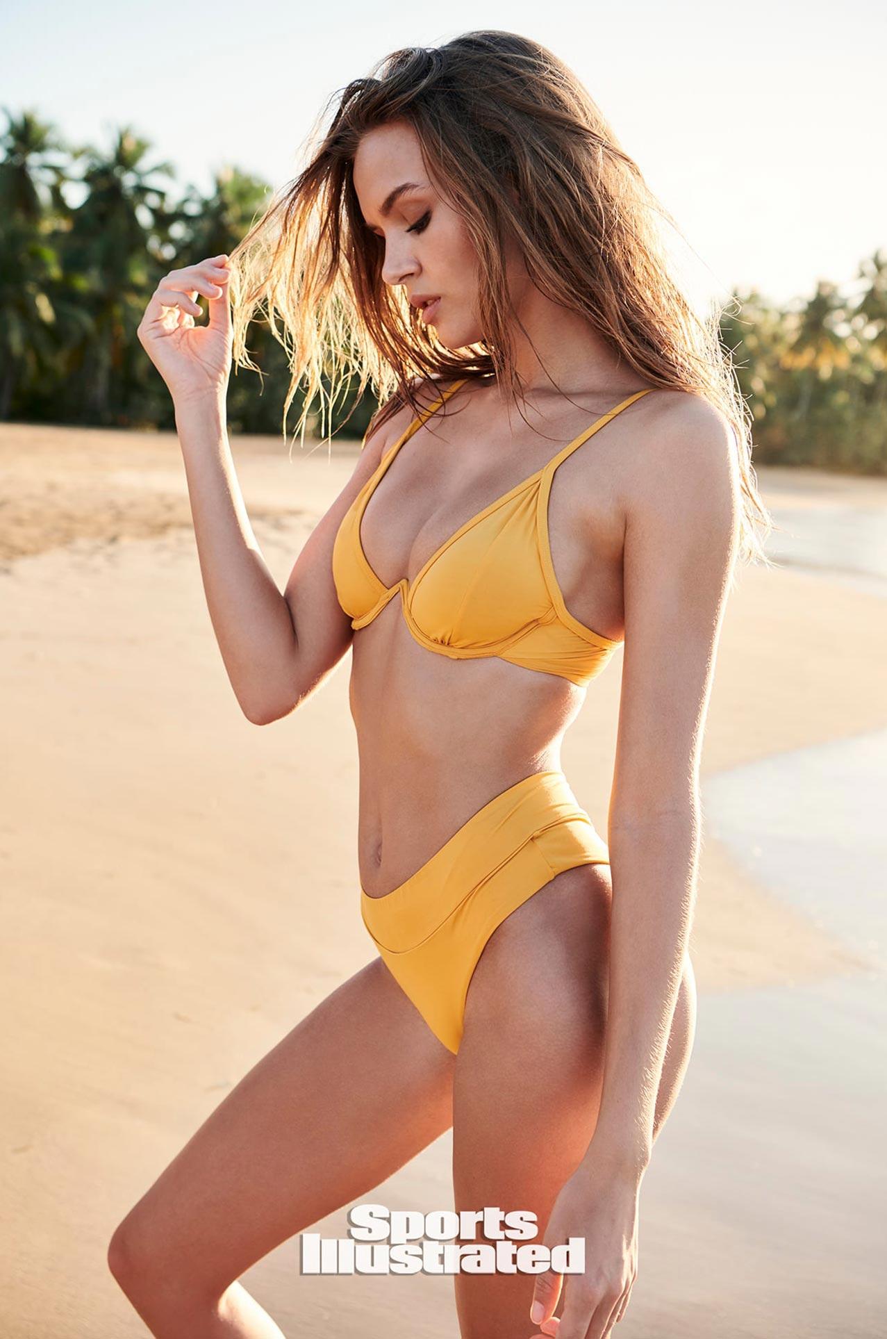 Жозефин Скривер в каталоге купальников Sports Illustrated Swimsuit 2020 / фото 12