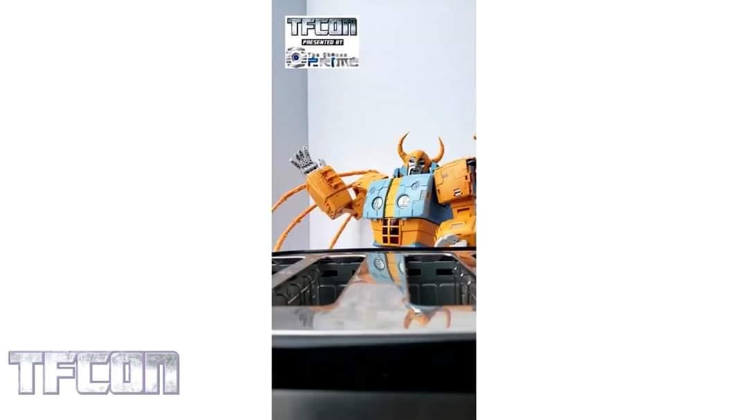 [Zeta Toys―01 Studio] Produit Tiers - ZV-02 Core Star―Cell - aka Unicron - Page 3 UuvP0SMn_o
