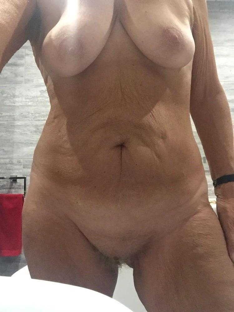 Mature sexy nude-9132