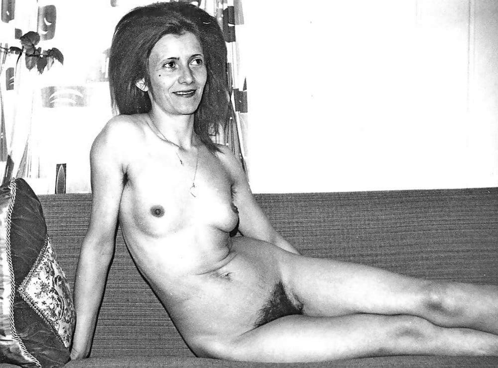 Older nude hairy women-9981
