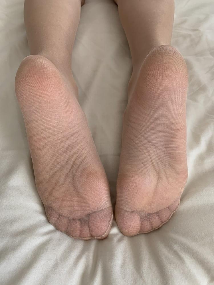 Female feet bondage-8169
