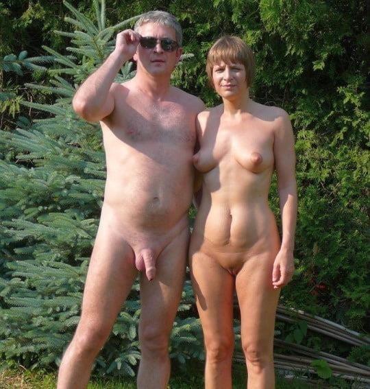 Mature couples copulating-6673