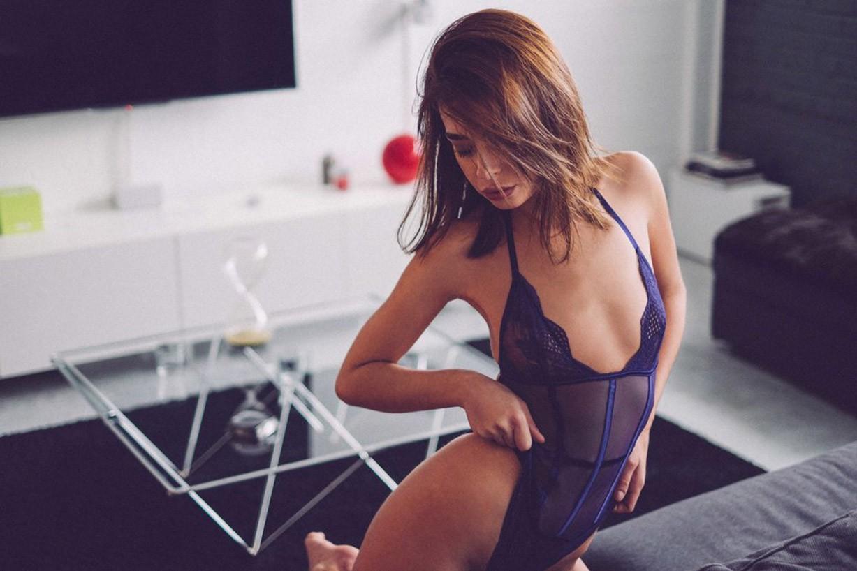 Селин Жермейн отыхает после рабочего дня / Celine Germain nude by Julien LRVR - Rekt Magazine
