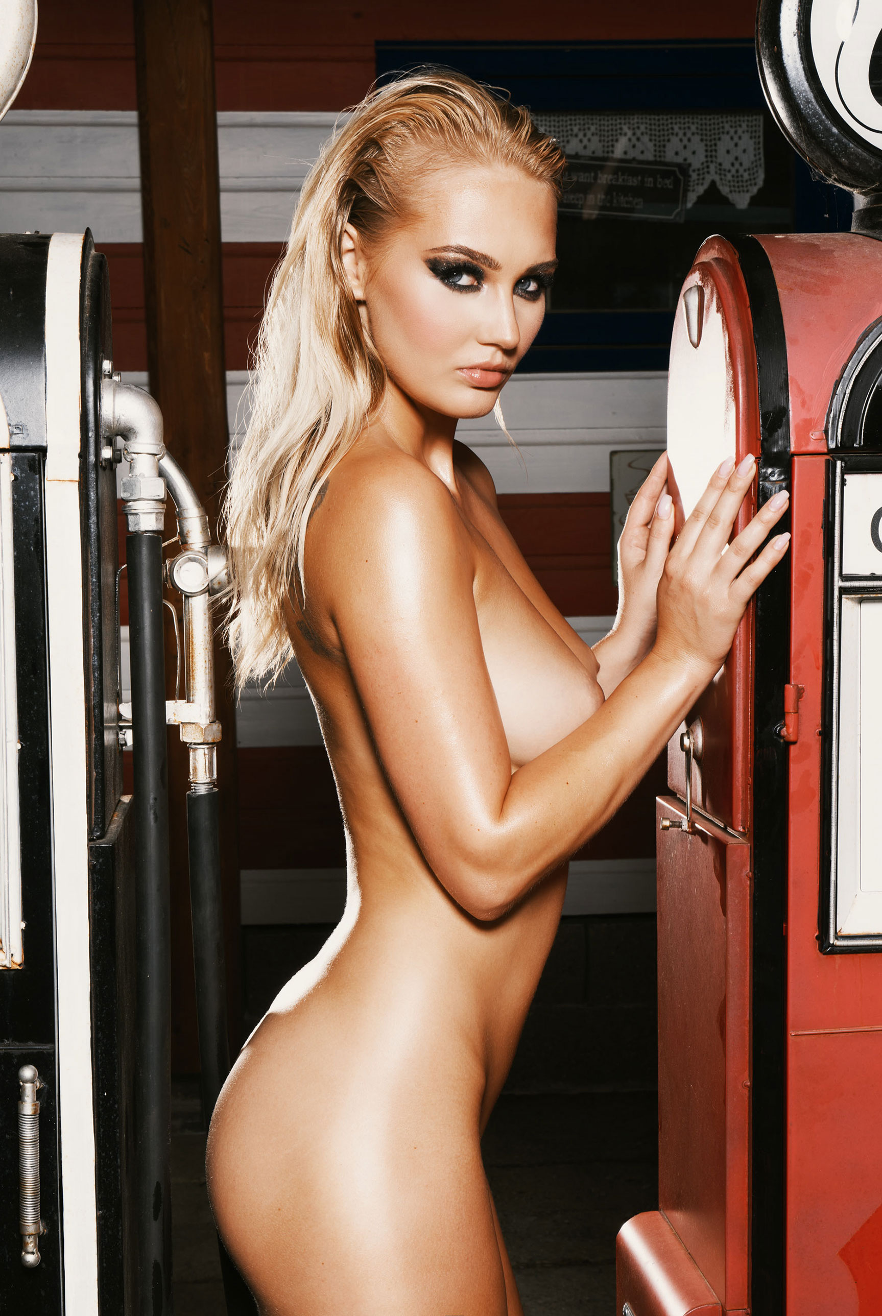 Девушка месяца чешского Плейбой / Sarka by Martin Bucek - Playboy Czech Republic october 2018 Playmate