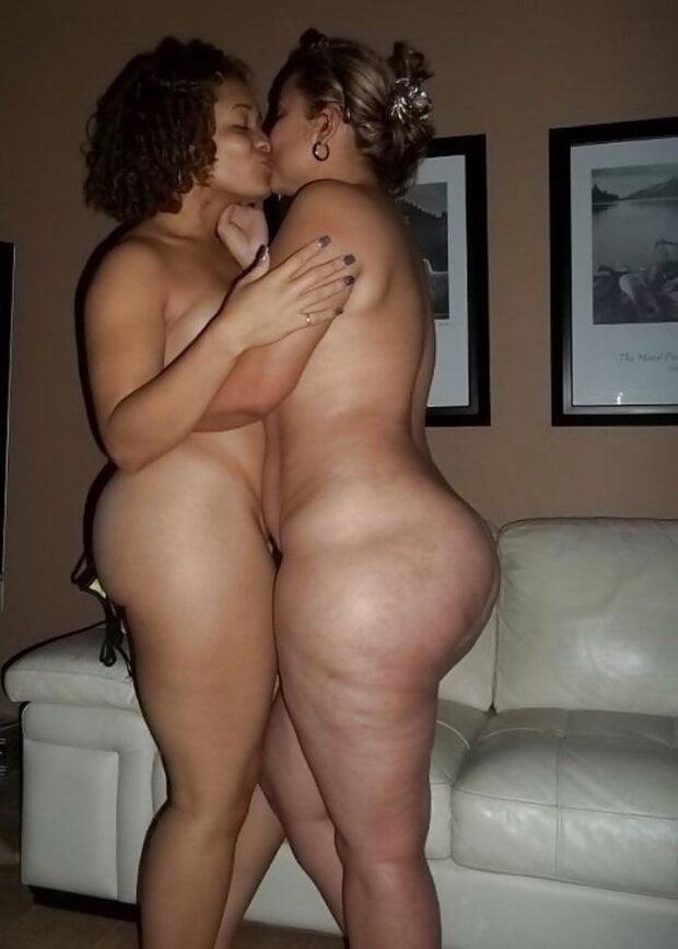Lesbian sexy kissing videos-7030