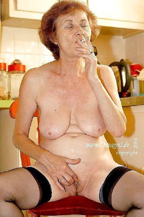 Homemade old granny porn-9017