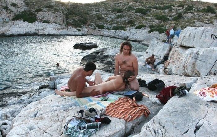 Amateur public threesome-9272