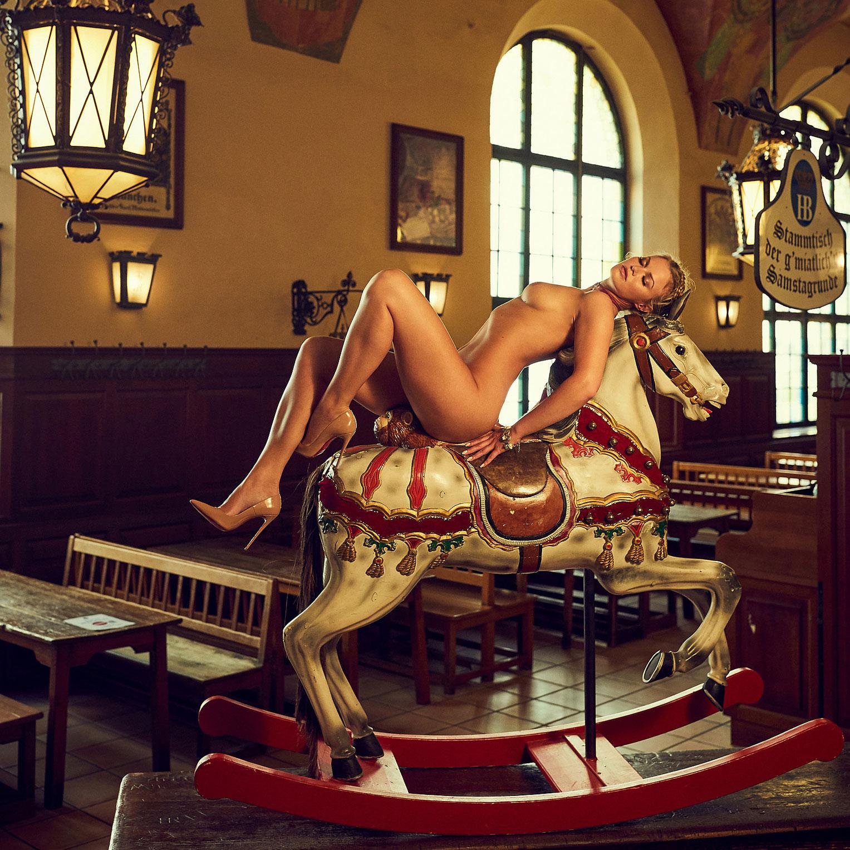 Наташа Хофманн - Мисс Октоберфест Playboy Германия / фото 01