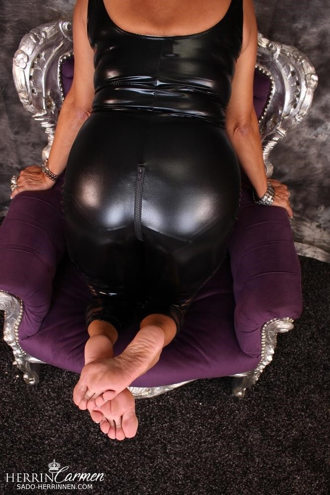 Arab foot mistress-7505