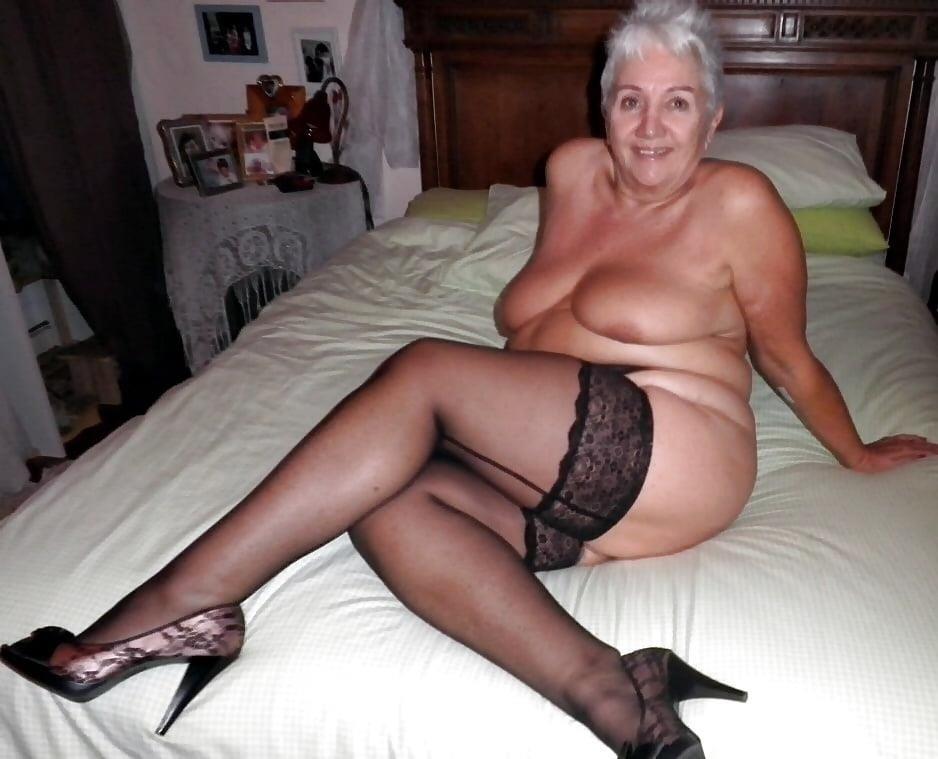 Amateur granny stockings pics-3260