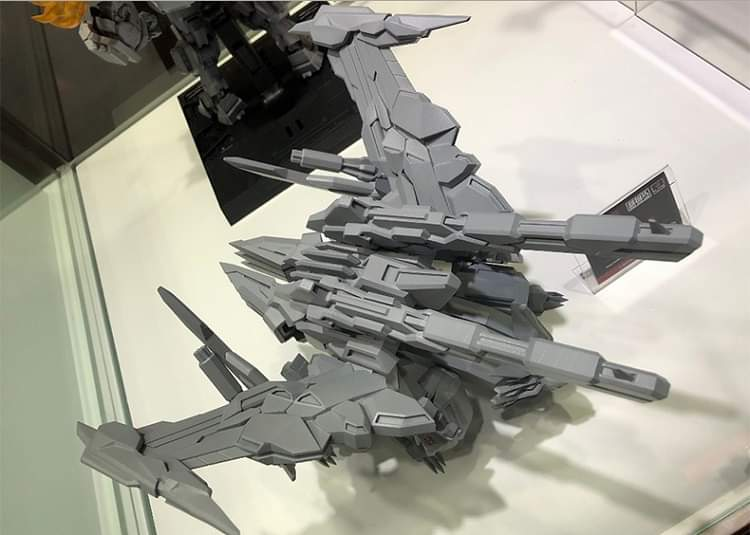 [Flame Toys] Figurines Drift, Optimus, Tarn, Star Saber, etc (non transformable - autorisé par Hasbro) - Page 7 Xko2IHPI_o