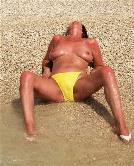 Mature amateur bikini pics-9510