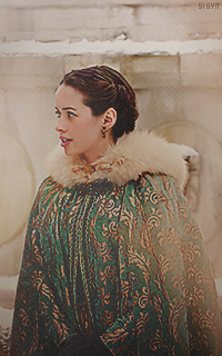 Anna Popplewell  - Page 3 FjnW9crs_o